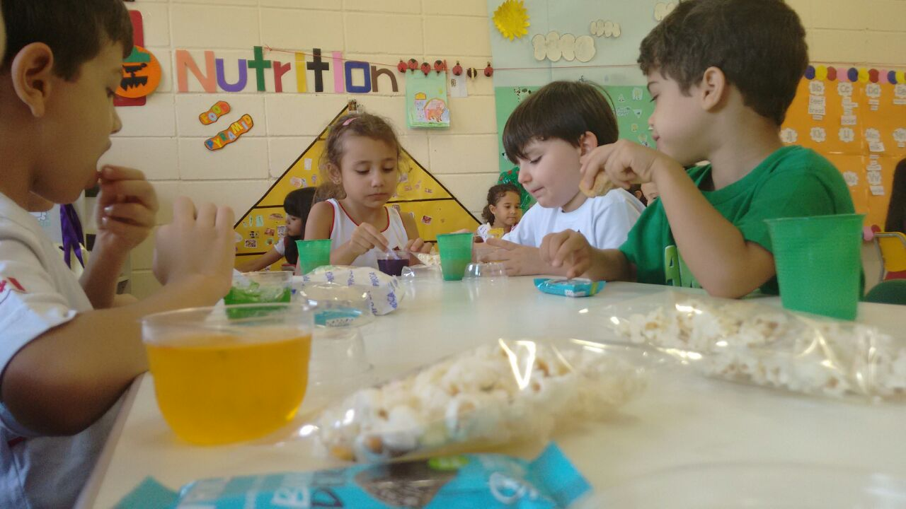 IK A – Food Groups rock! | Conhecer os alimentos é demais!